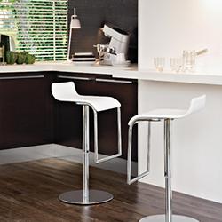 Как выбрать барные стулья для дома