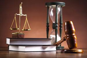 Когда нужна помощь уголовного адвоката